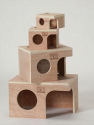 PREVUE HENDRYX Wood Hut for Small Animals