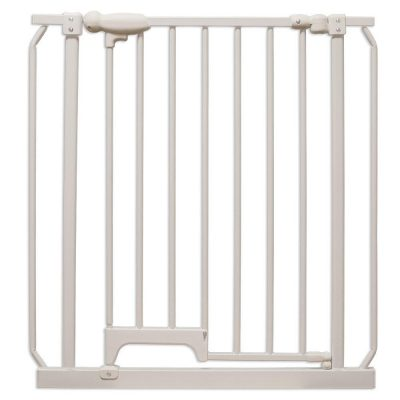 Four Paws Metal Foot Release Dog Gate